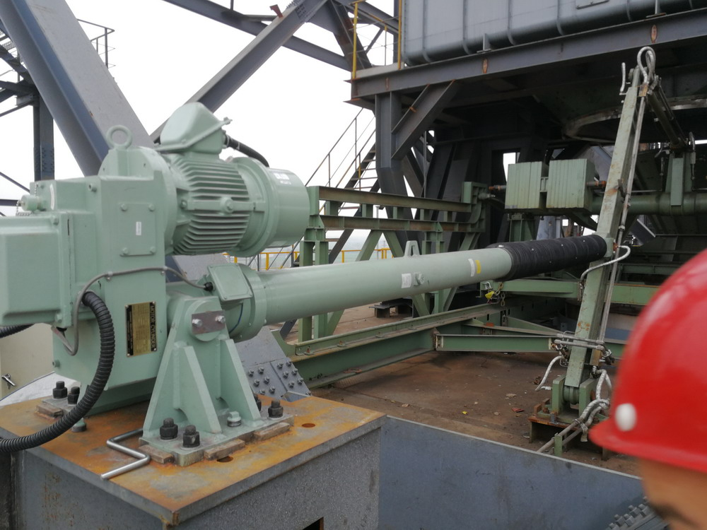 COSMIC电动推杆—DGR6T-16.5JL